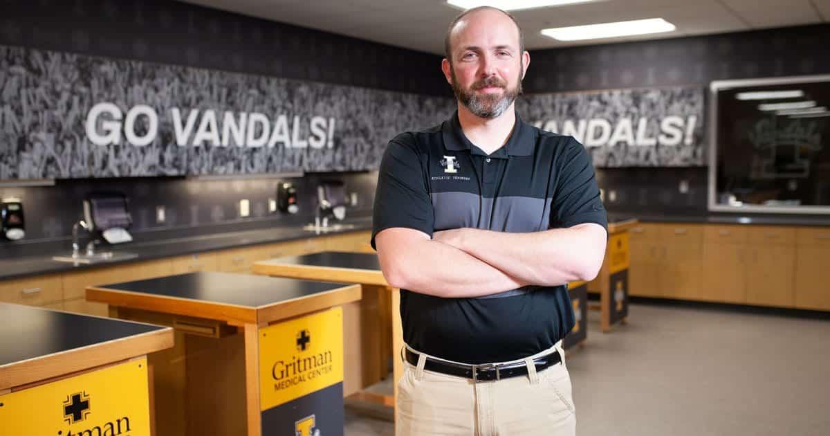 Chris Walsh in Vandal training room
