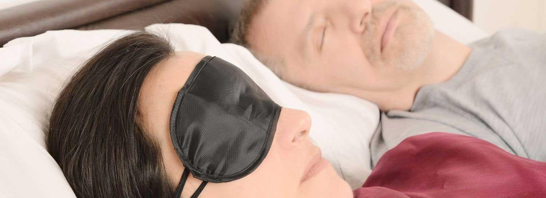 sleep center hero image of two people sleeping
